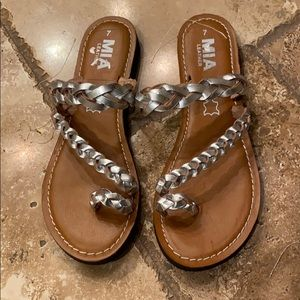 MIA leather toe ring sandals